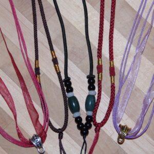 Шнурочки и ожерелья
